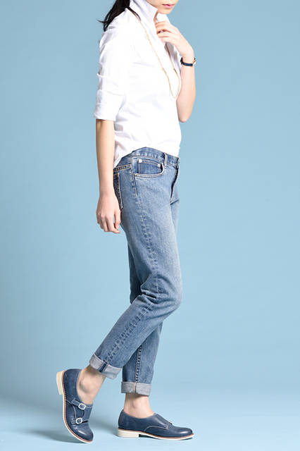 """<strong>WOMEN'S STYLE</strong><br /> マニッシュでトラッドなレザーシューズは、ミニマムなデニムコーデに合わせるとすっきりとまとまる。   <br />  <a href=""""/gallery/1470755/24"""" class=""""link_underline""""> 靴 1万8360円</a>  <br /> <br />  <a href=""""http://www.regalshoes.jp/week/16s/ladies/#shoes09"""" target=""""_new"""">http://www.regalshoes.jp/week/16s/ladies/#shoes09</a>"""