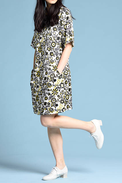 """<strong>WOMEN'S STYLE</strong><br /> 個性派のワンピースはモードに仕上げるのが正解。そんなときに合わせたいのが、レースアップのホワイトシューズ。  <br />  <a href=""""/gallery/1470755/27"""" class=""""link_underline""""> 靴 1万8360円  </a>  <br /> <br />  <a href=""""http://www.regalshoes.jp/week/16s/ladies/#shoes04"""" target=""""_new"""">http://www.regalshoes.jp/week/16s/ladies/#shoes04</a>"""