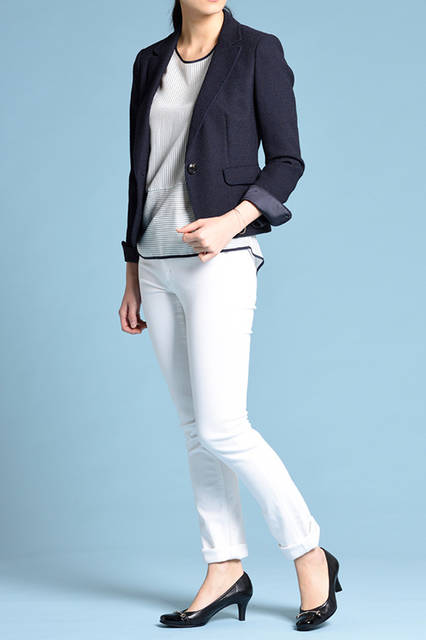 """<strong>WOMEN'S STYLE</strong><br /> すっきりと大人な雰囲気なジャケットスタイルには、エナメルのローヒールを合わせてスマートにまとめたい。  <br />  <a href=""""/gallery/1470755/20"""" class=""""link_underline""""> 靴 1万8360円  </a>  <br /> <br />  <a href=""""http://www.regalshoes.jp/week/16s/ladies/#shoes02"""" target=""""_new"""">http://www.regalshoes.jp/week/16s/ladies/#shoes02</a>"""