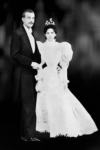 1895年、エステル・アーペルとアルフレッド・ヴァン クリーフの結婚によりジュエラーの歴史が始まる