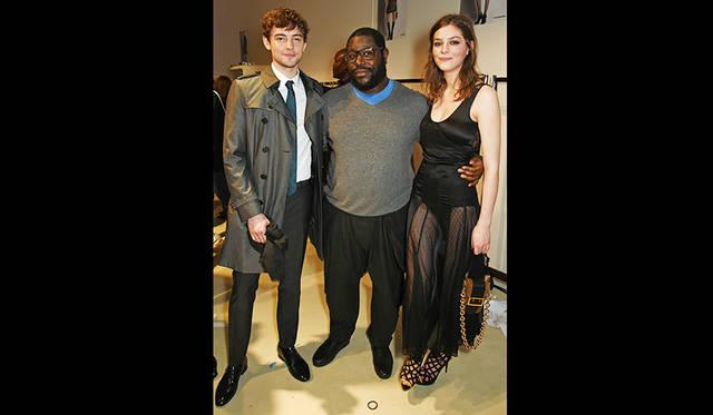 英国⼈ 俳優/ミュージシャンのジョシュ・ ホワイトハウス(写真左)と⼥優/モデルのアンバー・アンダーソン(写真右)