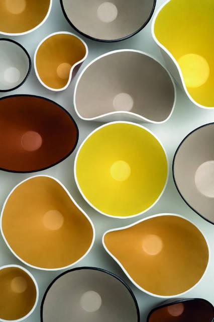 レザー ボウルズ コレクション。レザーアイテムやアパレル製品にとどまらないクリエイティビティを感じるロエベのアイテム