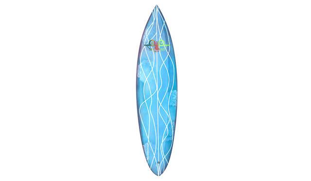 SKIP ENGBLOM氏自らがハンドで削りだし制作した、限定スケートボード&サーフボード