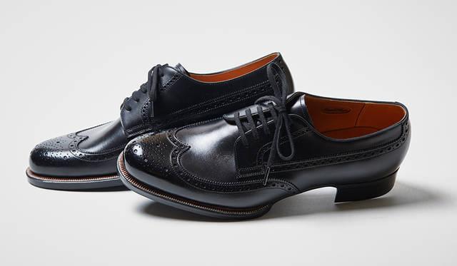オリジナルのデザインはもちろん、リーガルの既成モデルやサンプルモデルも自分に合わせてオーダーできる。オーダーサロンには米国リーガルブランドの歴史的なアーカイブから着想したサンプルも揃っており、米国靴らしいラウンドトゥの新作ウイングチップもそのひとつだ。