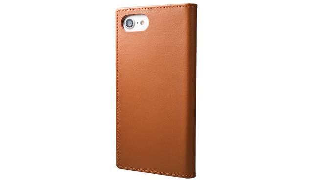 カラーはタン。iPhone 7用は1万円、iPhone 7 plus用は1万2,000円(ともに税込み)。9月下旬発売予定