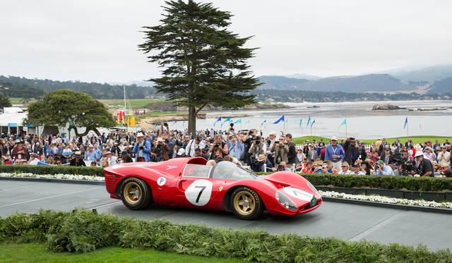 """パフォーマンスと美と、そして""""グランツーリスモ(ゲーム)的""""な要素を持ったクルマを対象とした「グランツーリスモ・トロフィ」受賞のフェラーリ330P4ドロゴスパイダー(66年)は67年のレースのためにモデナのピエロ・ドロゴによって設計および制作された4台のうち唯一現存している車両 Copyright © Kimball Studios / Courtesy of Pebble Beach Concours d'Elegance"""