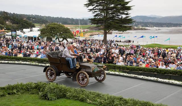 オリジナルの状態を保ちつつ日常的に使われている車両を対象とした「FIVA(the international federation of historic vehicles)トロフィ」戦前部門を与えられたのはトーマス・モデル17デタッチャブル・エントリーとノー(1902年) Copyright © Kimball Studios / Courtesy of Pebble Beach Concours d'Elegance
