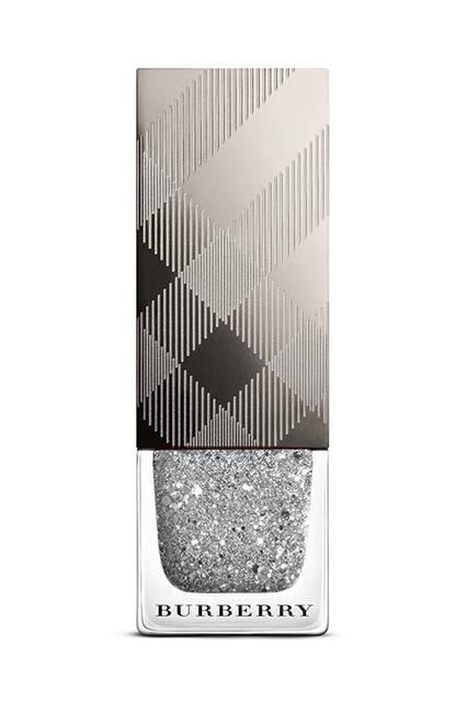 バーバリー ネイルポリッシュ 3色 306 (Ruby Glitter) /451 (Gold Glitter)/453 (Silver Glitter) 各2500円(税抜)