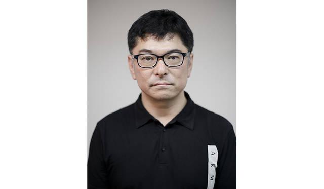 監督:高橋栄樹(たかはし・えいき) 1989年 「Japan'89 ビデオ・テレビジョン・フェスティバル」グランプリを受賞。これがきっかけとなり、ミュージックビデオのディレクターとなる。 1997年 「SPACE SHOWER Music Video Awards」ベストディレクター賞受賞。劇場映画初監督作品「trancemission」(出演:村上淳、THE YELLOW MONKEY) 2000年 Music Video Awards 2000BEST YOURCHOISE ゆず「飛べない鳥」受賞。 2006年 映画監督ヴィム・ヴェンダース来日にあわせ、記録ドキュメントを監督。(カナダ・トロント写真展覧会「CONTACT」正式招待) 2012年 東日本大震災とアイドルの関係を描いた「Documentary of AKB48 Show must go on 少女たちは傷つきながら、夢見る」を監督。同ドキュメンタリーをシリーズとして連作する。