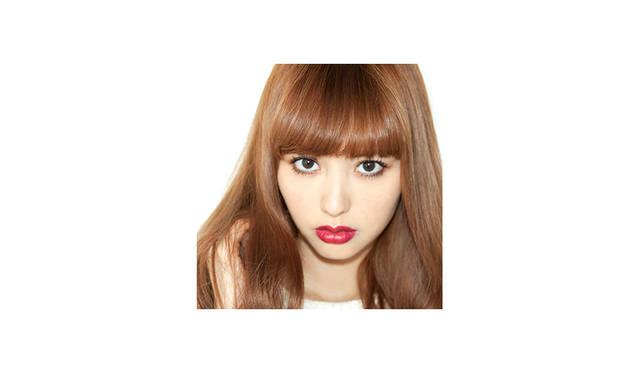 <strong>Emi Suzuki<br> 鈴木えみ / モデル</strong> <br><br> 1985年9月13日生まれ、1999年にモデルとしてデビュー。<br> 現在は数々のファッション誌に登場するほか、自身が発信するメディア『s'eee』の編集長を務めるなど、 様々な分野でクリエイションし、活躍している。
