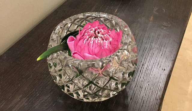 花に溢れた館内