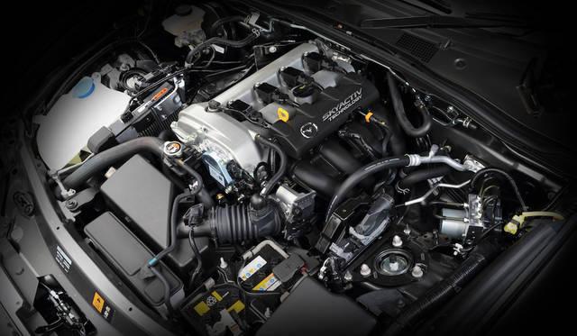 「スカイアクティブG」と呼称される1997ccエンジンが搭載され最高出力は116kW(158ps)@6000rpm、最大トルクは200Nm@4600rpm