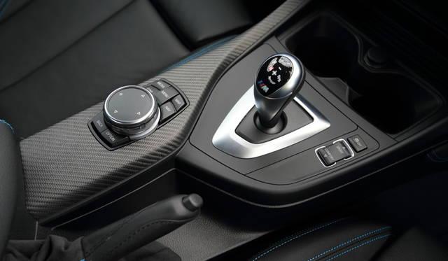 トランスミッションは7段M DCT Drivelogicと呼ばれるツインクラッチタイプ