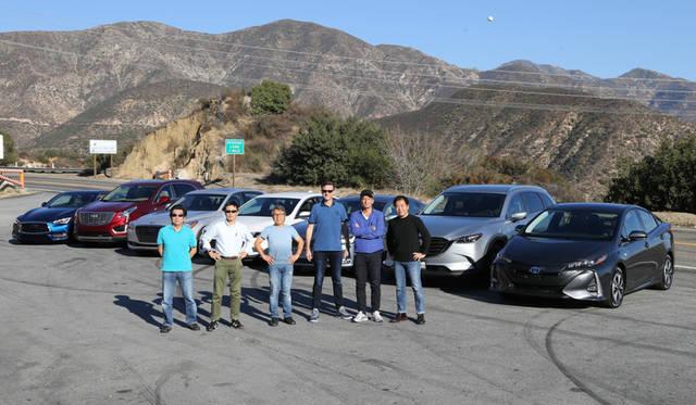 日本から参加した自動車ジャーナリスト。左端が河村康彦氏