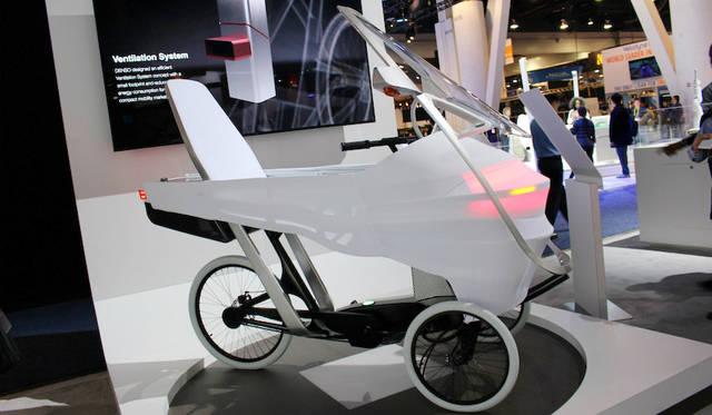 デンソーがマサチューセッツ工科大学(MIT)と開発したシティコミューター。このコンパクトなサイズの中に自動運転機能を備えている