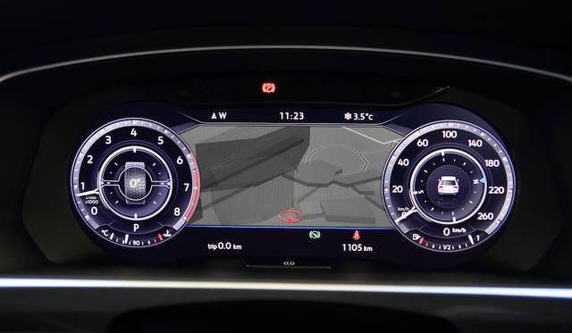 デジタルメータークラスターの「Active Info Display」では地図や車両の状況などさまざまな情報が視認できる