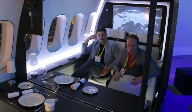 パナソニックは「ファーストクラス・キャビン」をテーマに、4Kディスプレイを搭載した機内エンターテインメントを提案した。