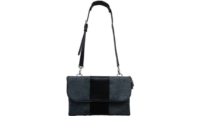 <strong>TRAVER ROTTERDAM</strong><br> SIZE|H21cm×W33cm×D3cm<br> 価格|3万240円