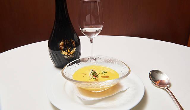 残響 純米大吟醸 × 南瓜のクリームとズワイ蟹 シャインマスカットのコンポートとともに
