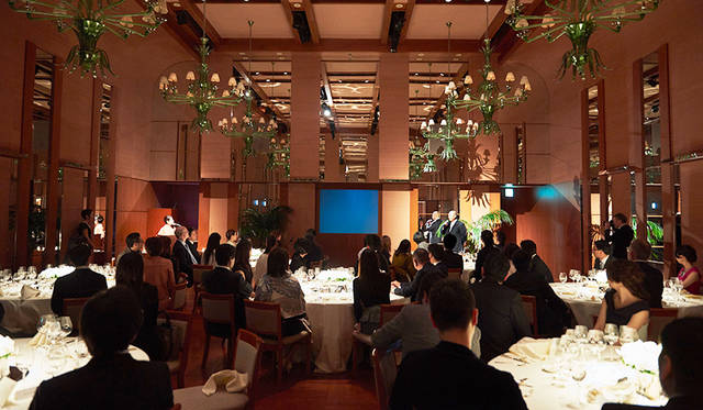 イベントに参加した来場者たちは「ピーク ラウンジ & バー、バンケット」の森田武二・イベント料理長によるスペシャルペアリングディナーを堪能した