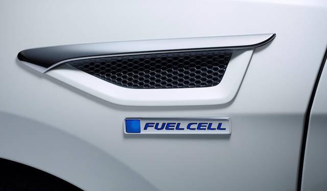 2015年の東京モーターショーでワールドプレミアを果たした燃料電池車両