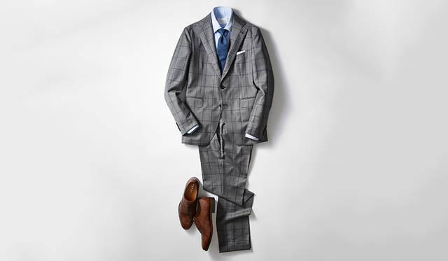 今季らしい英国調のウインドーペーン柄スーツに、クラシックなストレートチップがベストマッチ。レーザー加工ならではのすっきりとしたスマートな表情とムラ感のあるブラウンの色合いが、足元に軽やかなニュアンスを演出し、重厚すぎないいまどきのビジネススタイルを完成させる。<br><br> 靴2万8000円、スーツ12万5000円/タリアトーレ(伊勢丹新宿店 Tel.03-3352-1111)、シャツ3万8000円/カンタータ(カルネ Tel.03−6407−1847)、タイ1万7000円/ドレイクス(ブルティッシュメイド 青山本店 Tel.03-5466-3445)、チーフはスタイリスト私物