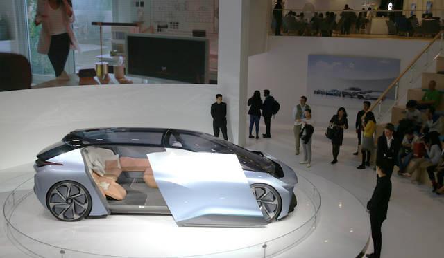NIO Eve|蔚来 イヴ<br> 上海を本拠とするEVスタートアップ企業NIOが公開した自動運転EVコンセプト「イヴ」。家屋とのシームレスな感覚を強調。2020年に米国での発売を計画している。