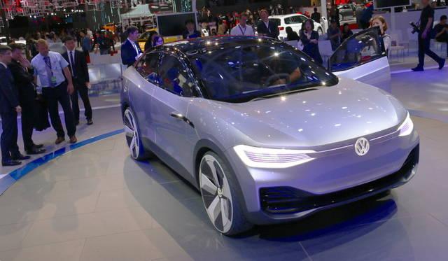 <strong>Volkswagen I.D. Cross|フォルクスワーゲン I.D. クロス</strong><br> 同ブランドにおける自動運転機能付きEVコンセプトの第3弾はSUVタイプ。2020年に市販予定。