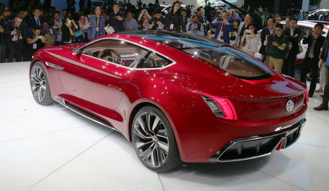 <strong>MG e-Motion Concept|MG  e-モーション・コンセプト</strong><br> 往年の英国車ブランド「MG」を今日所有する上海汽車が提案するスーパースポーツEV。同社は、欧州大陸への本格進出を計画中。