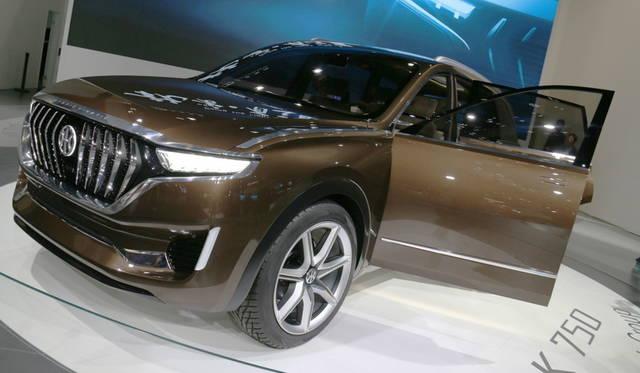 <strong>Hybrid Kinetic Group K750|ハイブリッド・キネティック・グループ K750</strong><br> 香港に本社をおくハイブリッド・キネティック・グループによる7シーターEV「K750」。2017年3月のジュネーヴ ショーで発表したセダンに続き、デザインはピニンファリーナによる。