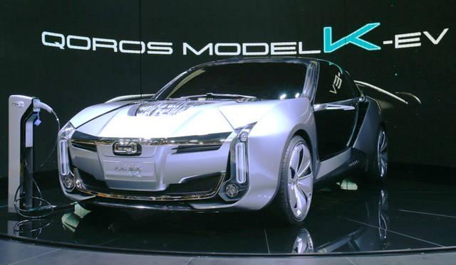 <strong>Quolos model-K-EV concept|クオロス モデルK-EVコンセプト</strong><br> 奇瑞(チェリー)とイスラエル企業による上海の合弁ブランド「クオロス」による「モデルK-EVコンセプト」。開発にケーニヒセグも参加。パワーは1,307馬力に達する。