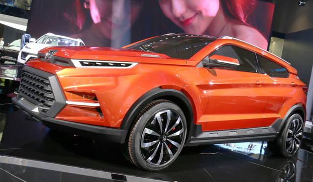 <strong>Jiangling S330L concept|江鈴 S330L コンセプト</strong><br> 六角形のモティーフがボディ全体に反復されている。