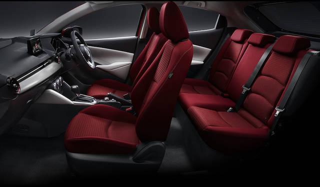 マツダデミオ特別仕様車「Noble Crimson」