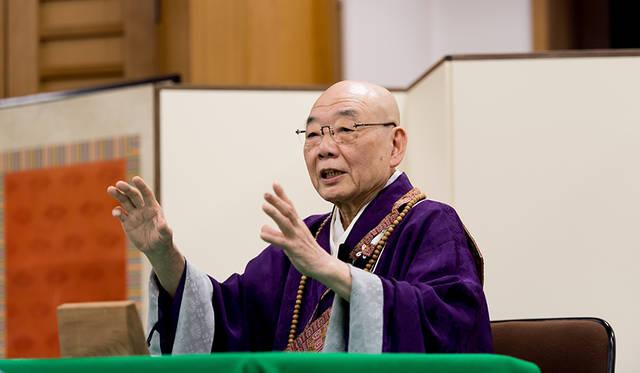 毎年年末に発表される「今年の漢字」の揮毫でもおなじみの森貫主による法話が行われた