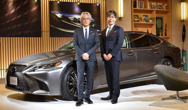 LEXUS INTERNATIONAL President 澤良宏氏(写真左)