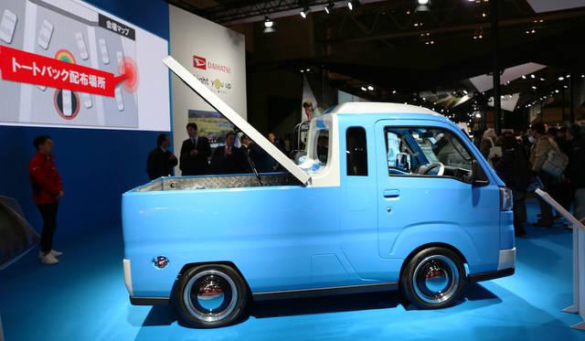 <strong>Daihatsu Hijet Truck Jumbo Active ver|ダイハツ ハイゼット トラック ジャンボ アクティブver</strong><br> 遊び心でデザインされた軽規格のハイゼット トラック ジャンポ アクティブVer.