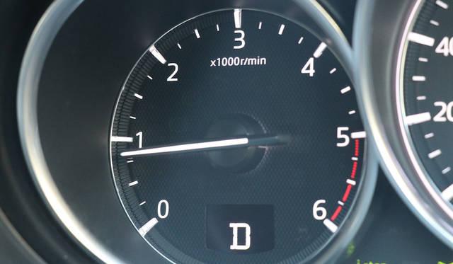 2,188cc 4気筒ディーゼルエンジンは450Nmの最大トルクを2,000rpmで発生