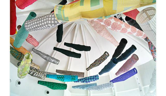 須藤玲子+アドリアン・ガルデール 《こいのぼり》 2014年 フランス国立ギメ東洋美術館展示風景