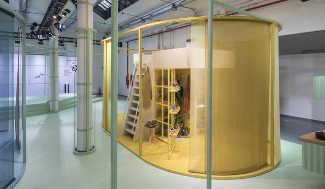 倉庫のなかにプライベートスペースを作るシェアスペースの提案