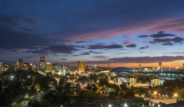 Skyline, Adelaide, SA <br>© South Australian Tourism Commission