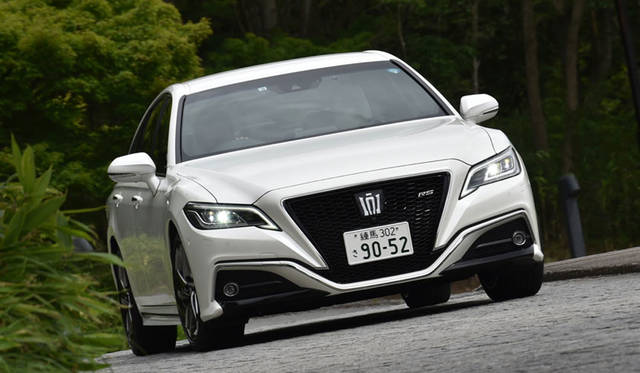 Toyota Crown RS(L4 2.0T)|トヨタ クラウン RS (直4 2.0ターボ)