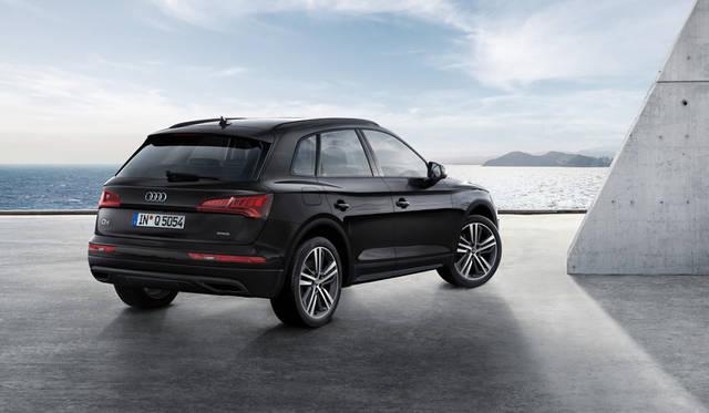 Audi Q5 40 TDI 1st edition black styling<br>アウディ Q5 40 TDIファースト エディション ブラック スタイリング