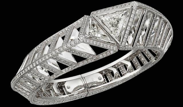 ブレスレット。カルティエ、2017年。ゴールド、ダイヤモンド、ロッククリスタル。個人蔵。Vincent Wulveryck © Cartier