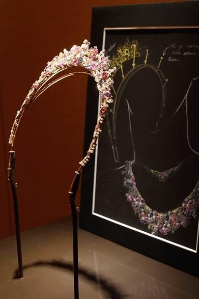 <strong>La Biennale Paris|パリ・ビエンナーレ 2014</strong><br /><br />BVLGARI|ブルガリ<br /><br />ティアラ