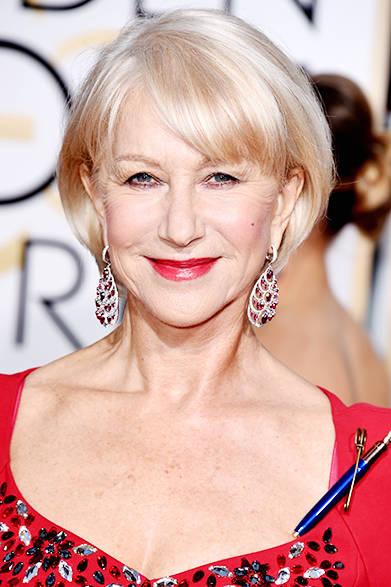 <strong>Helen Mirren|ヘレン・ミレン</strong><br><br>『マダム・マロリーと魔法のスパイス』でミュージカル・コメディ部門の主演女優賞にノミネートされていたヘレン・ミレン。ルビーのイヤリングが白い肌によく映える。<br><br>©Chopard