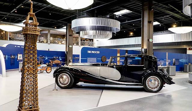 タイプ41ロワイヤル(32年)は1000Nmのトルクを持つ1.3万ccの8気筒エンジンを搭載