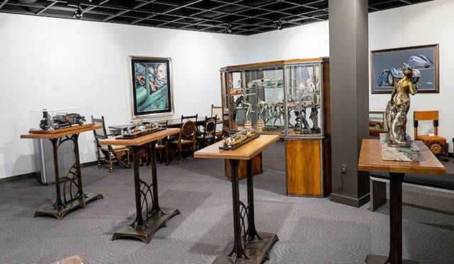 エットーレ・ブガッティの弟で彫刻家だったレンブラントの作品展示もある