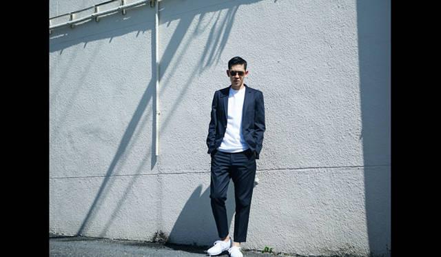 ジャケット4万9680円、Tシャツ6264円、パンツ2万7648円、サングラス1万6200円