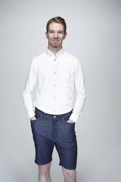 ロングスリーブ BDシャツ1万6200円、デニムショーツ2万3760円
