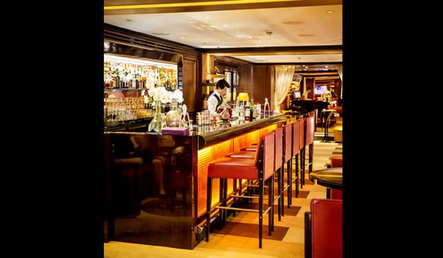 45 Park Lane|45パークレーン<br>ホテル2階にあるバーラウンジ「Bar 45」